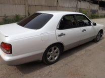 Двери 4шт белые Nissan Cedric 33й