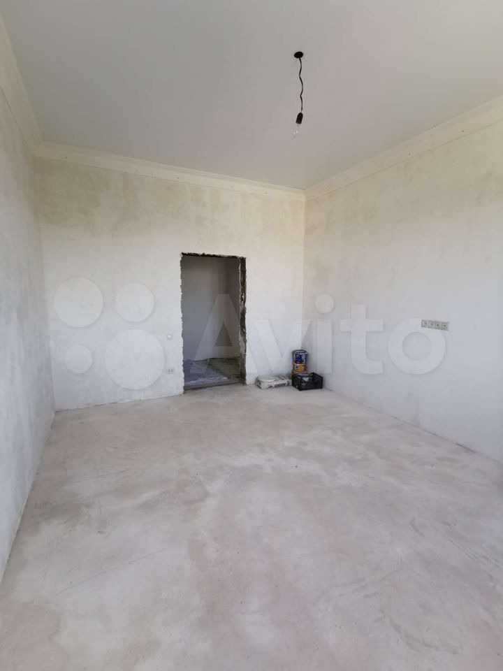 3-room apartment, 95 m2, 3/5 floor.  89094867676 buy 4