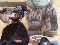 Набор (наколенники, перчатки, маска,очки) б/у