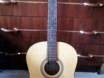 Продам гитару(нет одной струны) и гитарный тюнер